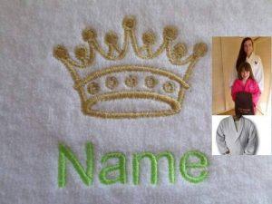 Adulte Peignoir de bain avec une couronne Kings Logo et nom de votre choix en blanc, taille M, L, XL ou XXL, blanc, Taille L de la marque EFY image 0 produit