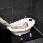 Babymoov Aquascale Baignoire avec Pèse-bébé de la marque Babymoov image 1 produit