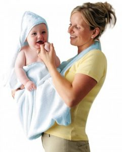 Clevamama Serviette de Bain Bébé - Tablier Cape pour Bebe Et Enfant, Coton - Bleu de la marque Clevamama image 0 produit