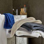 Decolicious - Lot de 2 serviettes de toilette (draps de bain) 100% coton peigné - 550gr/m² - Bleu - 100x150 cm de la marque DECOLICIOUS image 4 produit