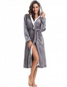 Femme Peignoir Polaire à Capuche avec 2 Poches Hiver Peignoir de Bain Flanelle Robe de Nuit Flanelle de la marque Aibrou image 0 produit