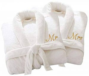Home N Living Peignoir de Bain de Luxe personnalisé pour Elle ou Mr Mrs 100% Coton éponge Extra Absorbant avec Ceinture, 100% Coton, White Mr/Mrs, One Size Fits All M/L/XL de la marque Home N Living image 0 produit