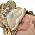 Little Tinkers World Serviette à capuche bébé Ours| Serviette de bain en coton 100% bébé | Cadeau de fête d'anniversaire idéal | Nouveau-nés ou bébés filles | 75x75cms (Ours) de la marque Little-Tinkers-World image 3 produit