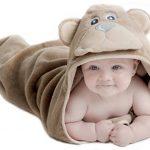 Little Tinkers World Serviette à capuche bébé Ours| Serviette de bain en coton 100% bébé | Cadeau de fête d'anniversaire idéal | Nouveau-nés ou bébés filles | 75x75cms (Ours) de la marque Little-Tinkers-World image 1 produit
