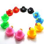 Novelty Place Neuheit Ort [Flotteur et couinement] Gummiente Ducky Baby Badespielzeug für Kinder Verschiedene Farben (12 Stuck) de la marque Novelty-Place image 3 produit