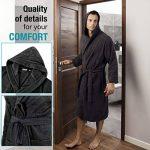 Peignoir de Bain pour Homme 100% Coton avec Capuche - Taille XS S M L XL XXL - Certifié Oeko TEX - Robe de Chambre 2 Poches, Ceinture et Boucle d'Accroche - Doux, Absorbant et Confort de la marque Twinzen image 2 produit