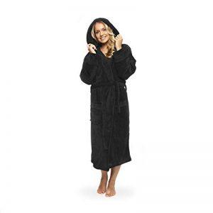 peignoir de luxe robe de chambre en microfibre avec capuche et poches pour femme et homme différentes tailles et couleurs de la marque Lumaland image 0 produit