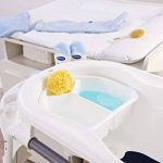 Rotho Babydesign TOP Baignoire avec Tapis Antidérapant et Bouchon de Vidange, 0-12 mois, TOP, Blanc, 200010001 de la marque Rothobabydesign image 4 produit