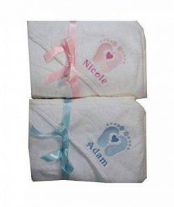 Serviette bébé Sortie de bain à Capuche Blanc brodé avec empreintes et un coeur personnalisé avec le prénom de la marque N/D image 0 produit