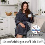 Twinzen ⭐ Peignoir Femme en Microfibre (100% Polyester) Long avec Capuche pour Adulte Vetement Certifié Oeko TEX - Robe de Chambre 2 Poches, Ceinture et Boucle d'Accroche - Doux et Confortable de la marque Twinzen image 1 produit