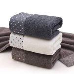 Un ensemble de 3 serviettes en coton doux lavables en machine de la marque Luwu-Store image 1 produit